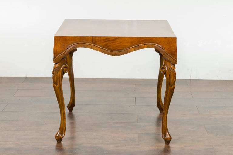 Italian Rococo Style Midcentury Walnut and Olive Wood Table with Cabriole Legs For Sale 9