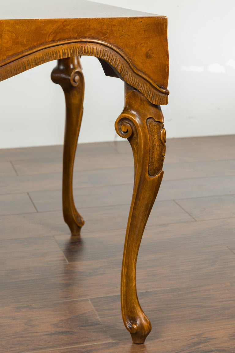 Italian Rococo Style Midcentury Walnut and Olive Wood Table with Cabriole Legs For Sale 3