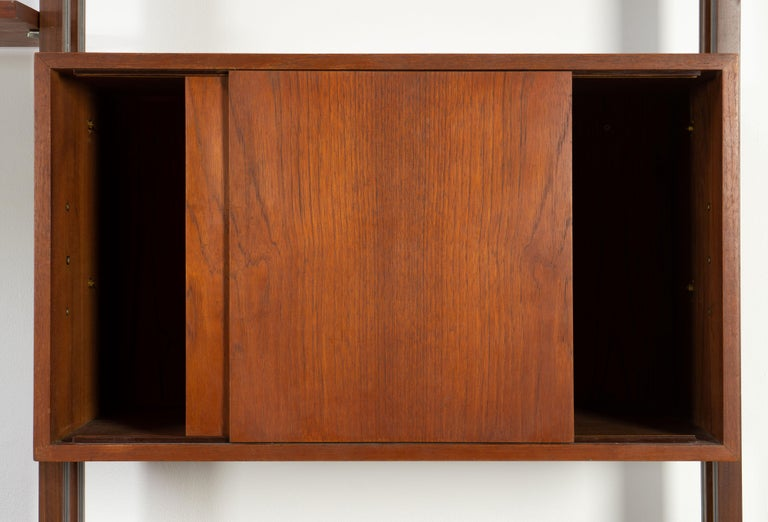Italian Room Divider Book-Shelf by Paolo Tilche Made in Italy, 1960s, Teak For Sale 5