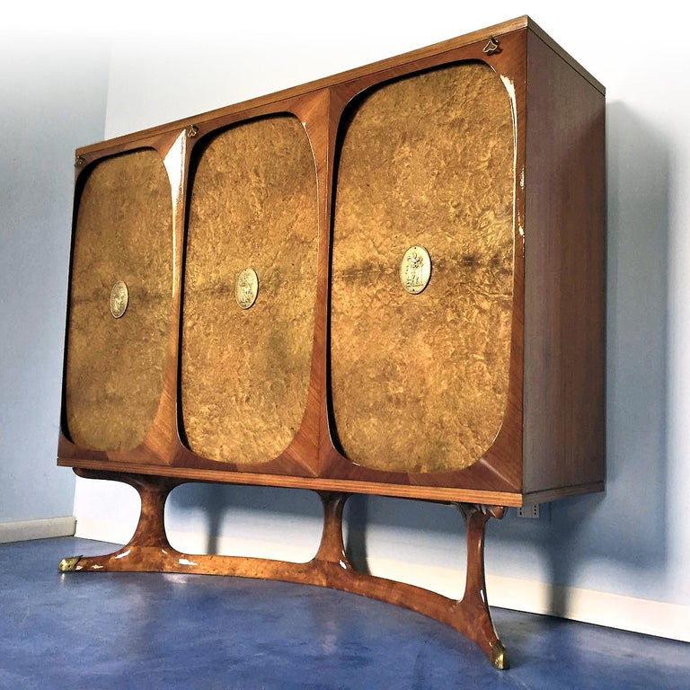 Italian Rosewood Sideboard with Three-Door in Birch Briar Root by Dassi, 1950s For Sale 3