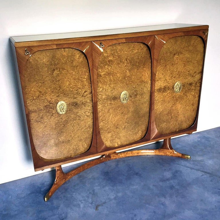 Italian Rosewood Sideboard with Three-Door in Birch Briar Root by Dassi, 1950s For Sale 4