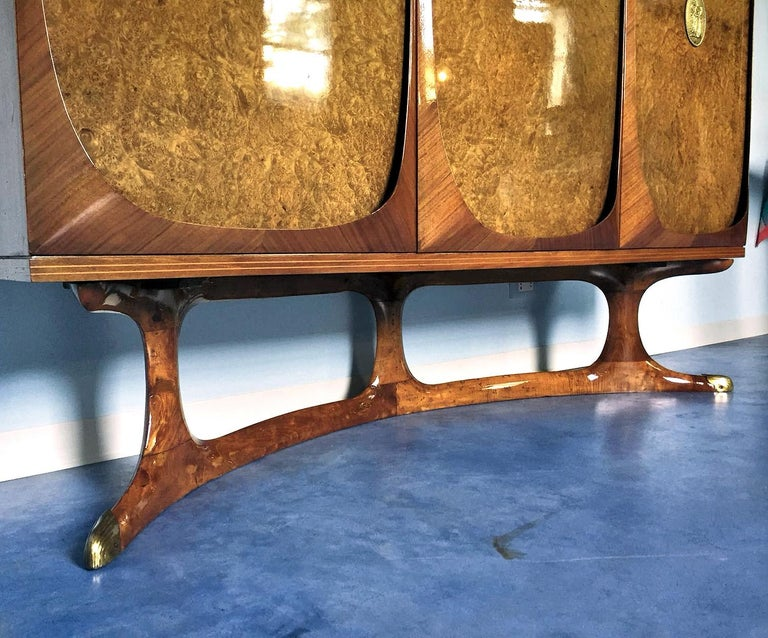 Mid-Century Modern Italian Rosewood Sideboard with Three-Door in Birch Briar Root by Dassi, 1950s For Sale