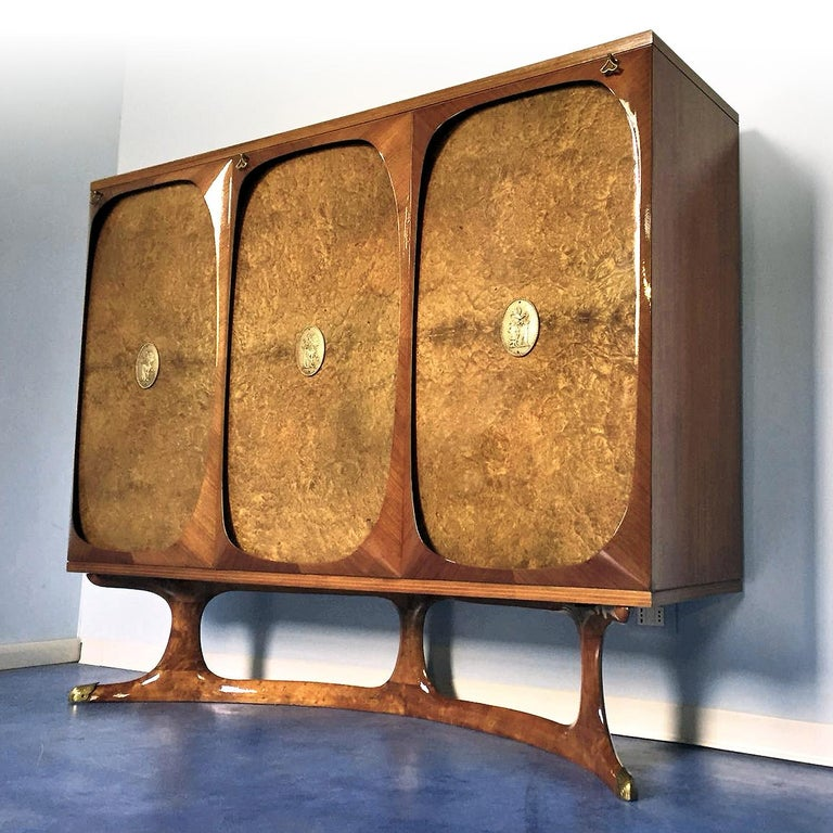 Veneer Italian Rosewood Sideboard with Three-Door in Birch Briar Root by Dassi, 1950s For Sale