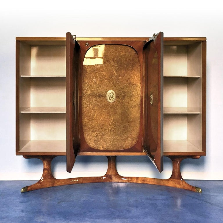 Brass Italian Rosewood Sideboard with Three-Door in Birch Briar Root by Dassi, 1950s For Sale