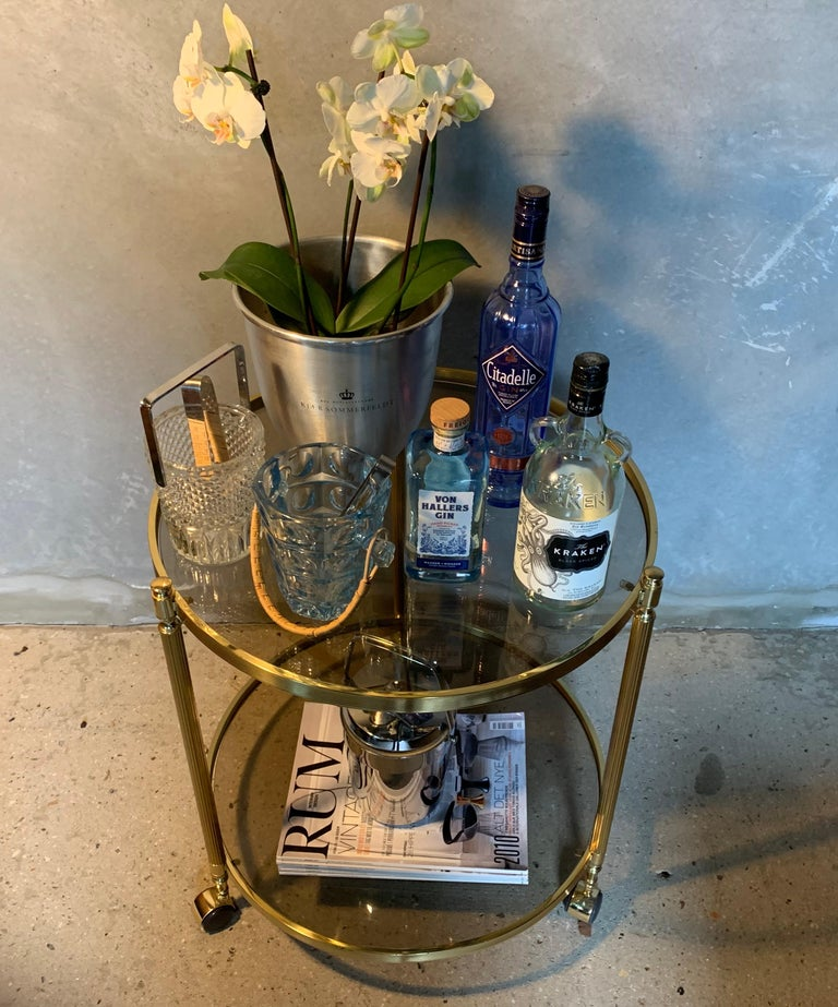 Italian Round Brass and Glass Cocktail Bar Cart For Sale 1