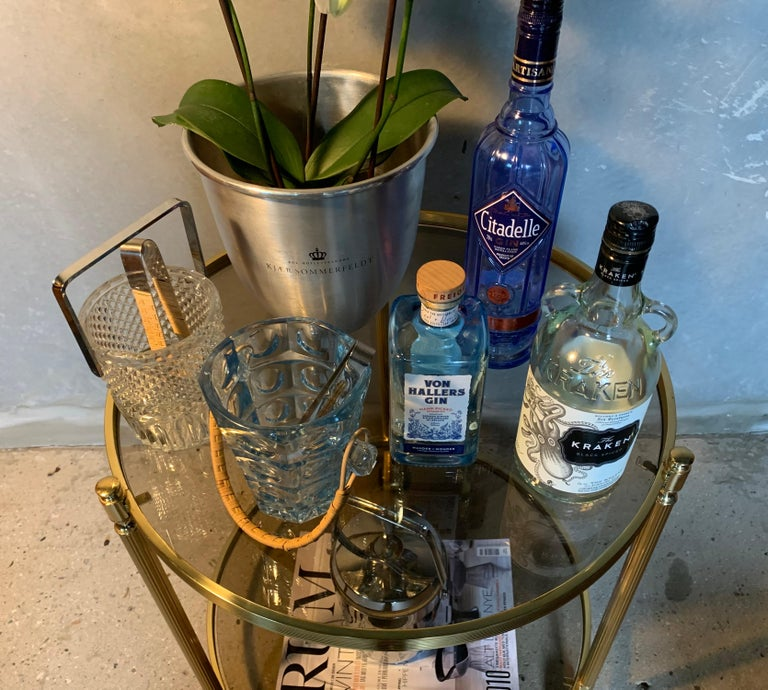 Italian Round Brass and Glass Cocktail Bar Cart For Sale 2