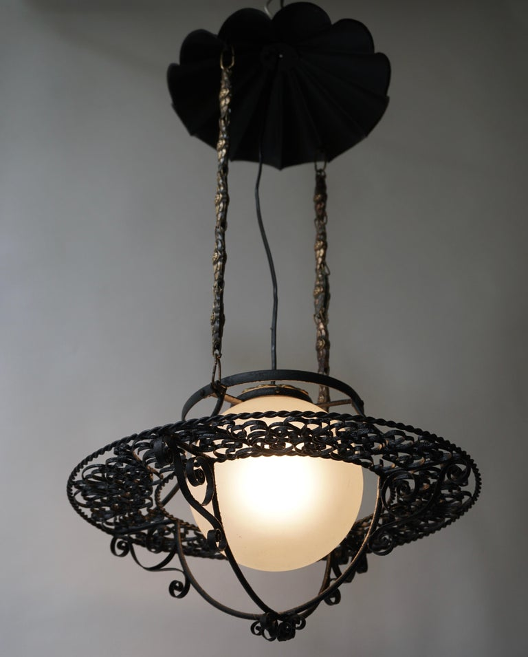 Mid-Century Modern Italian Round Painted Iron Ceiling Light with One Centre Light For Sale