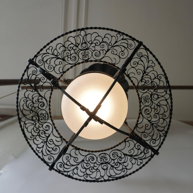 Italian Round Painted Iron Ceiling Light with One Centre Light In Good Condition For Sale In Antwerp, BE