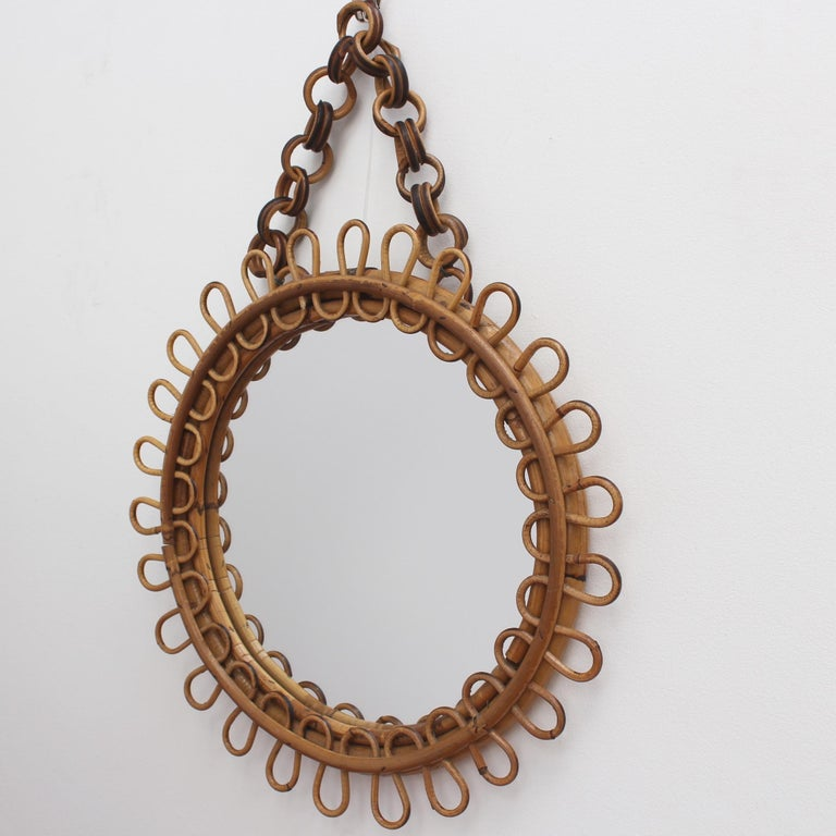 Italian Round Rattan Wall Mirror with Chain 'circa 1960s' In Good Condition For Sale In London, GB