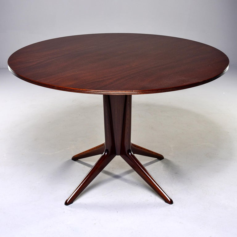 Italian Round Walnut Mid Century Table In Good Condition For Sale In Troy, MI