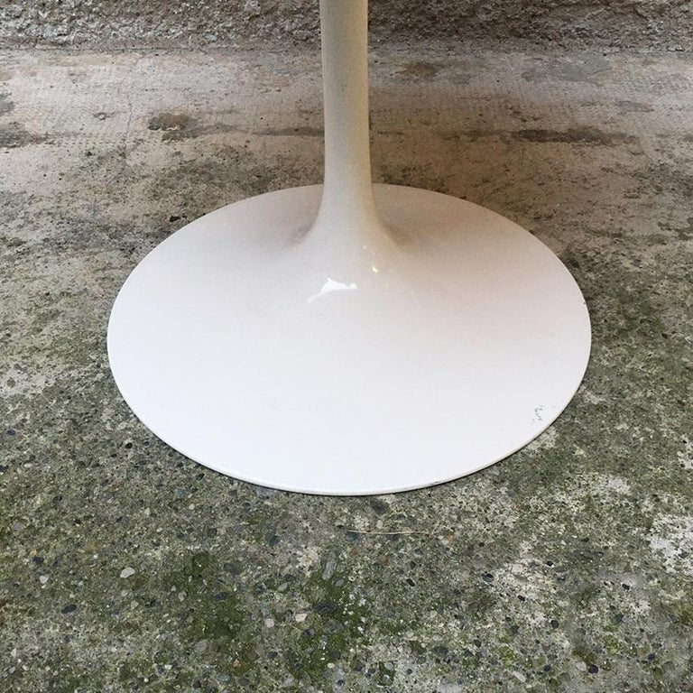 Late 20th Century Italian Rounded Laminated Top Tulip Dining Table by Eero Saarinen for Knoll 1973 For Sale