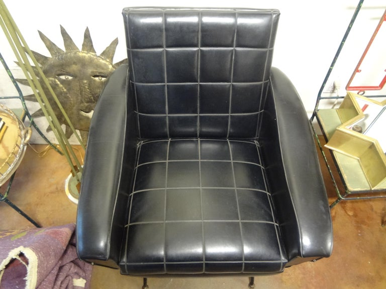 Italian Sculptural Lounge Chair in the Manner of Minotti For Sale 5