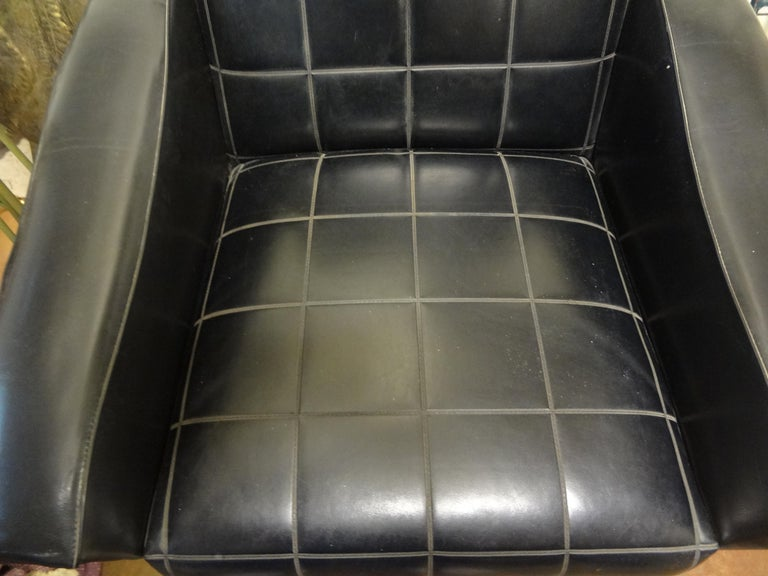 Italian Sculptural Lounge Chair in the Manner of Minotti In Good Condition For Sale In Houston, TX