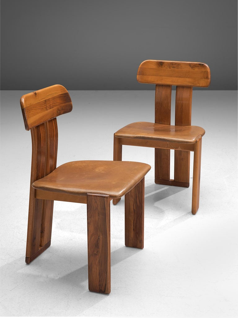 Leather Italian Set of Eight Dining Chairs by Sapporo, 1970s For Sale