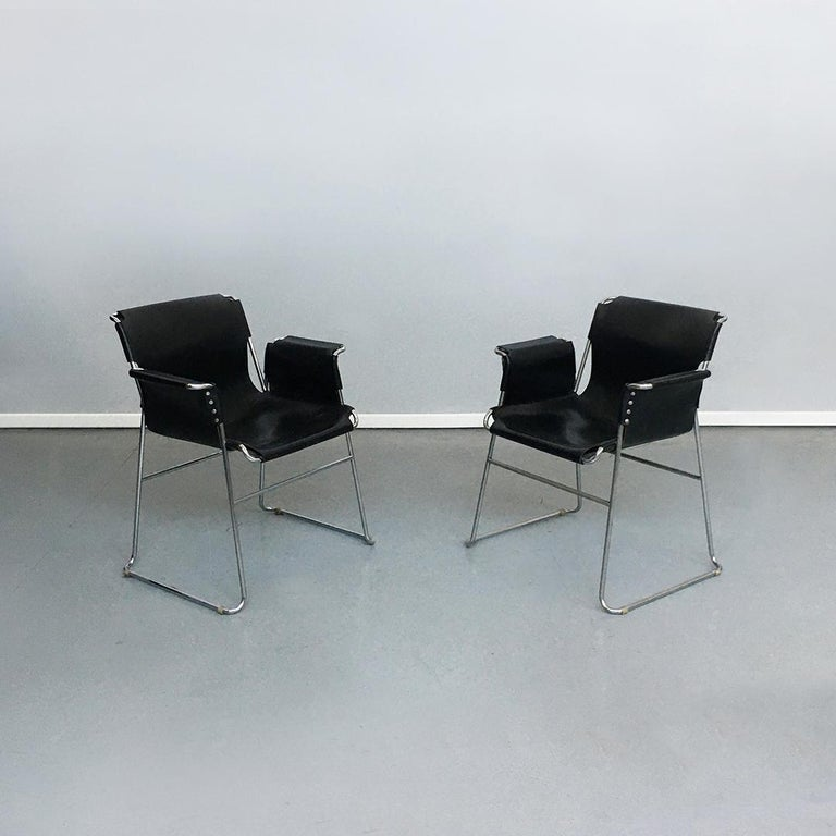 Italian 1970s Black Leather and Steel Chairs with Armrests, 1970s In Good Condition For Sale In MIlano, IT