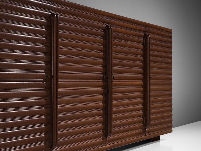 Italian Sideboard in Darkened Oak In Good Condition For Sale In Waalwijk, NL