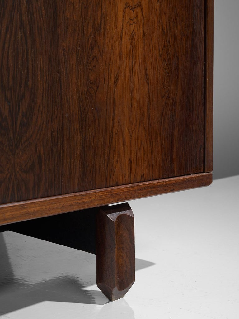 Italian Sideboard in Rosewood with Brass Details by Stilldomus For Sale 4