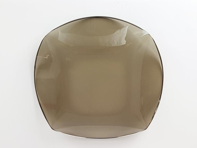 Italian Smoked Glass Centerpiece by Erwin Burger for Fontana Arte, 1960s For Sale 3