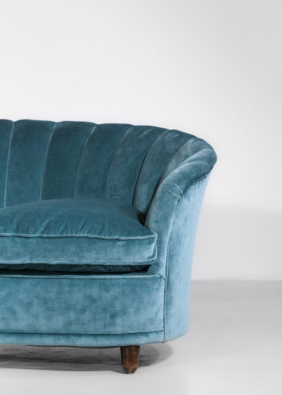 Italian Sofa by Gio Ponti Design 1960s Velvet Vintage Designer 2 Seat For Sale 6