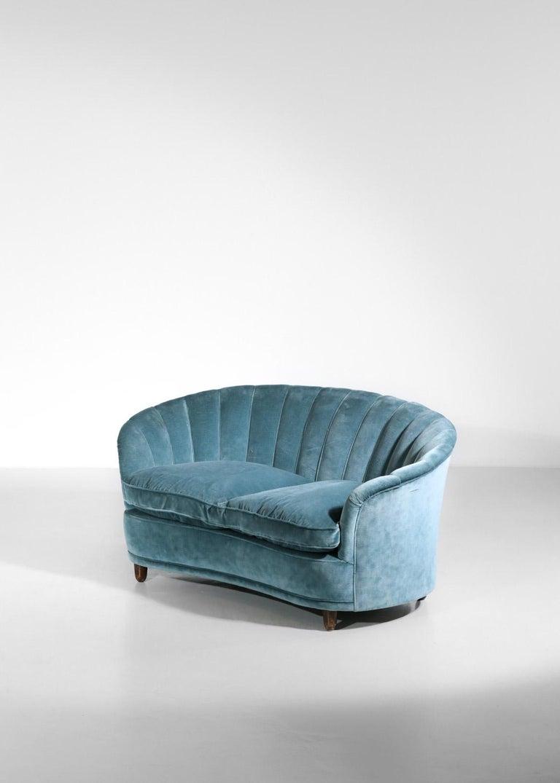 Italian Sofa by Gio Ponti Design 1960s Velvet Vintage Designer 2 Seat For Sale 9