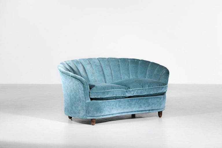 Mid-Century Modern Italian Sofa by Gio Ponti Design 1960s Velvet Vintage Designer 2 Seat For Sale