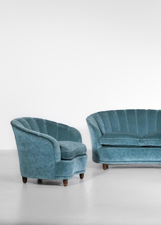 Italian Sofa by Gio Ponti Design 1960s Velvet Vintage Designer 2 Seat For Sale 3