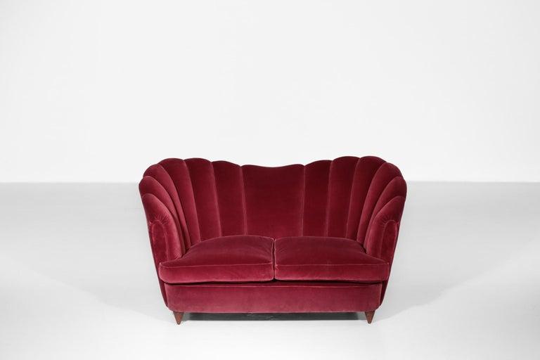 Italian Sofa Gio Ponti Style 1960s Burgundy Velvet For Sale 4