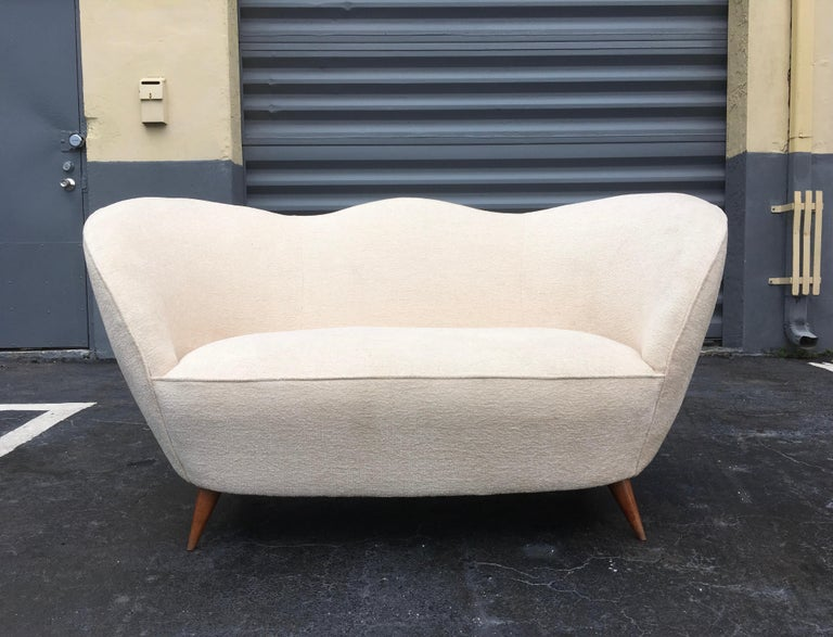 Italian Sofa in the Style of Gio Ponti, 1950s For Sale 1