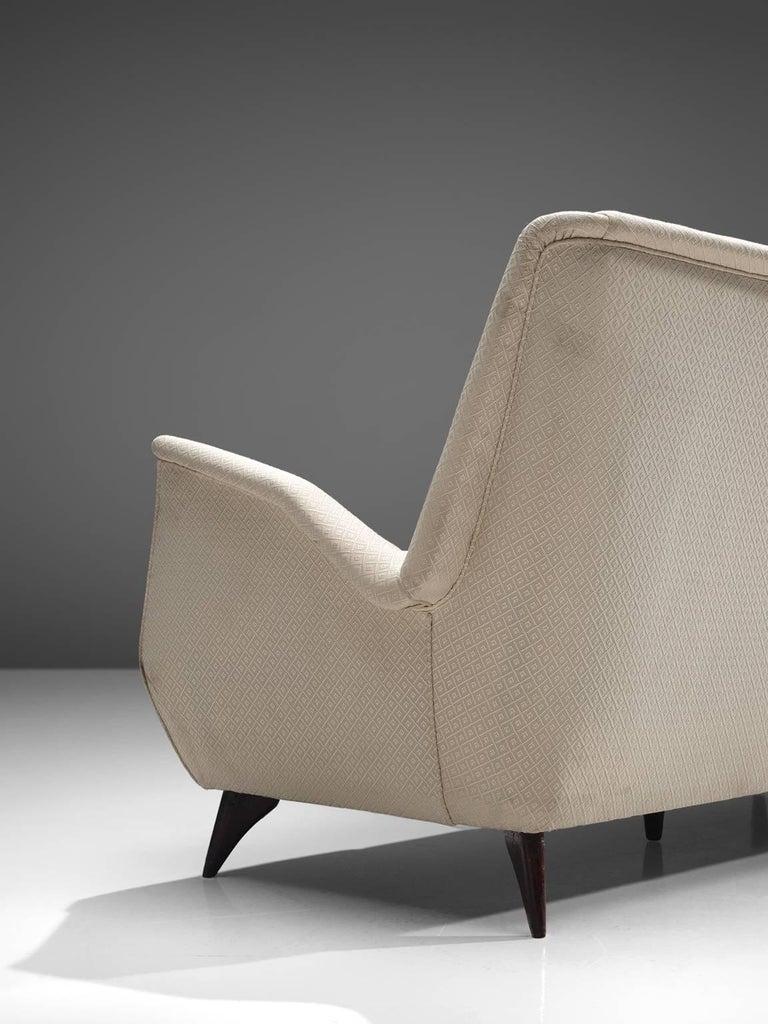 Mid-20th Century Italian Sofa in White Fabric, 1950s For Sale