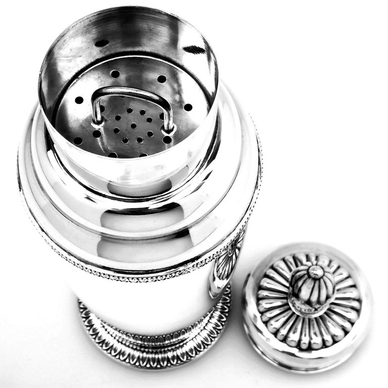 Italian Solid Silver Cocktail Shaker, circa 1960 In Good Condition For Sale In London, GB