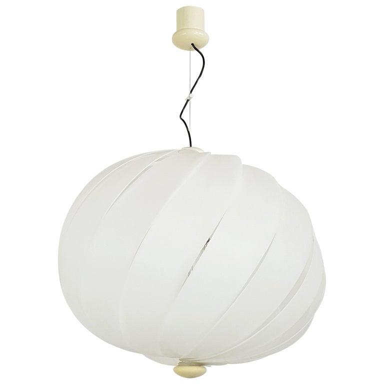 Italian Space Age White Plastic & Chromed Metal Three Lights 1960s Pendant For Sale