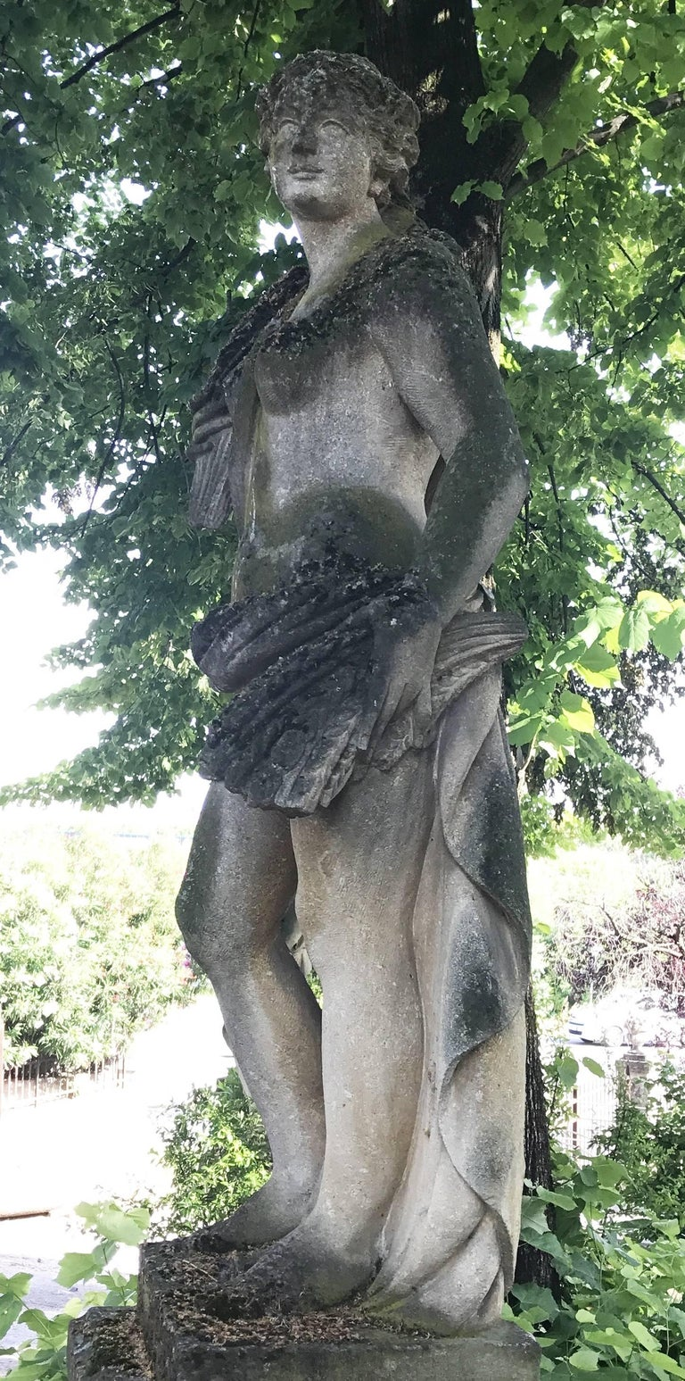Italian Stone Garden Statues Representing the Four Seasons In Good Condition For Sale In Rome, IT