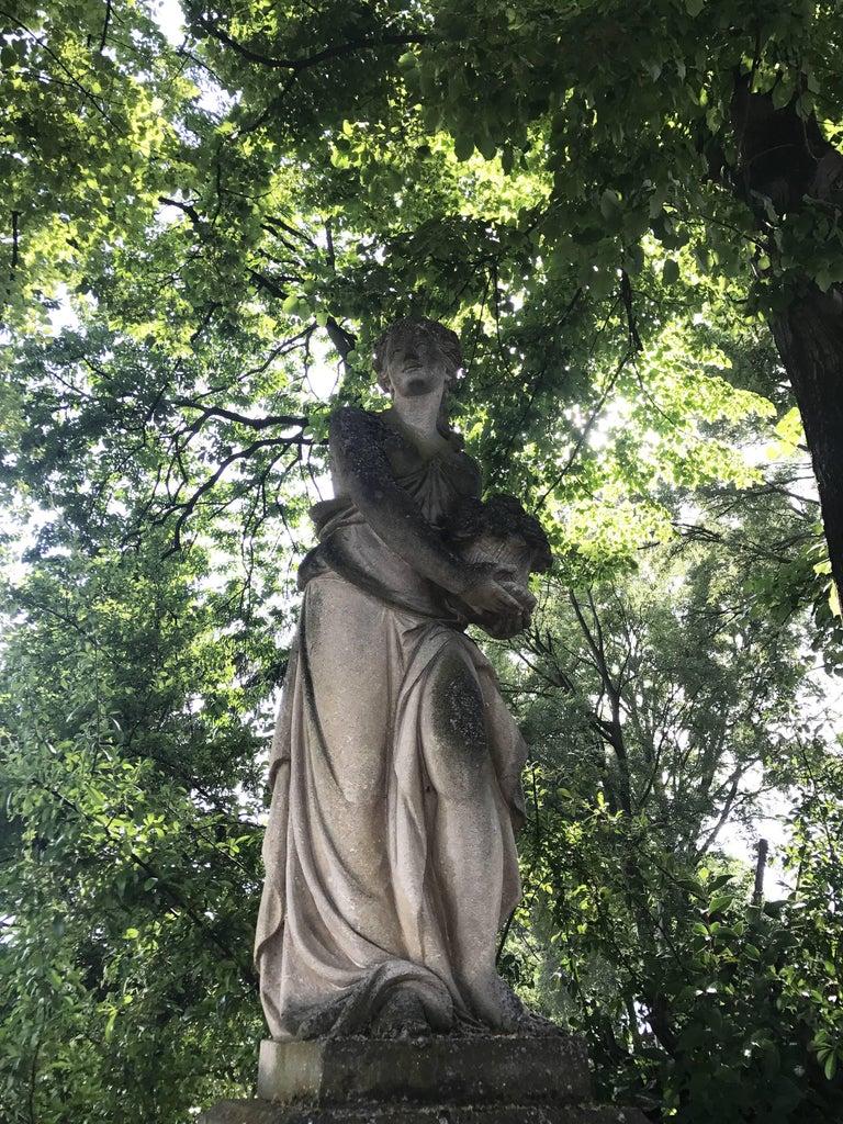 Italian Stone Garden Statues Representing the Four Seasons For Sale 1