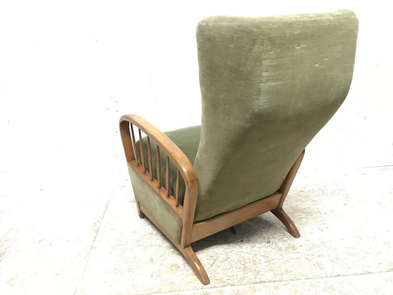 Italian Style Fully Reclining Armchair in Beech Wood with Original Green Fabric For Sale 1