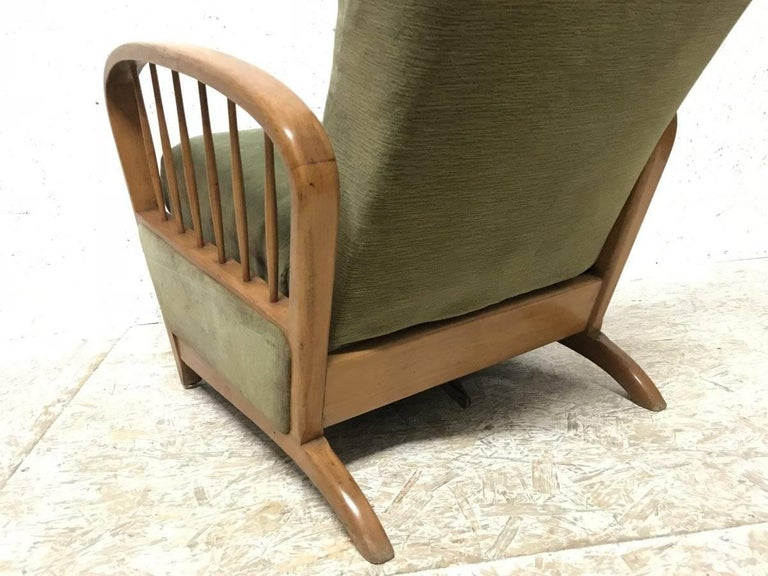 Italian Style Fully Reclining Armchair in Beech Wood with Original Green Fabric For Sale 2