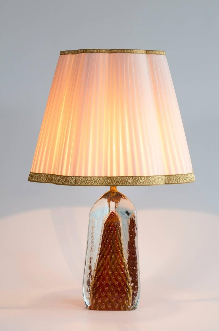 Italian Table Lamp in Blown Murano Glass Red with 24-Karat Gold finitures For Sale 1