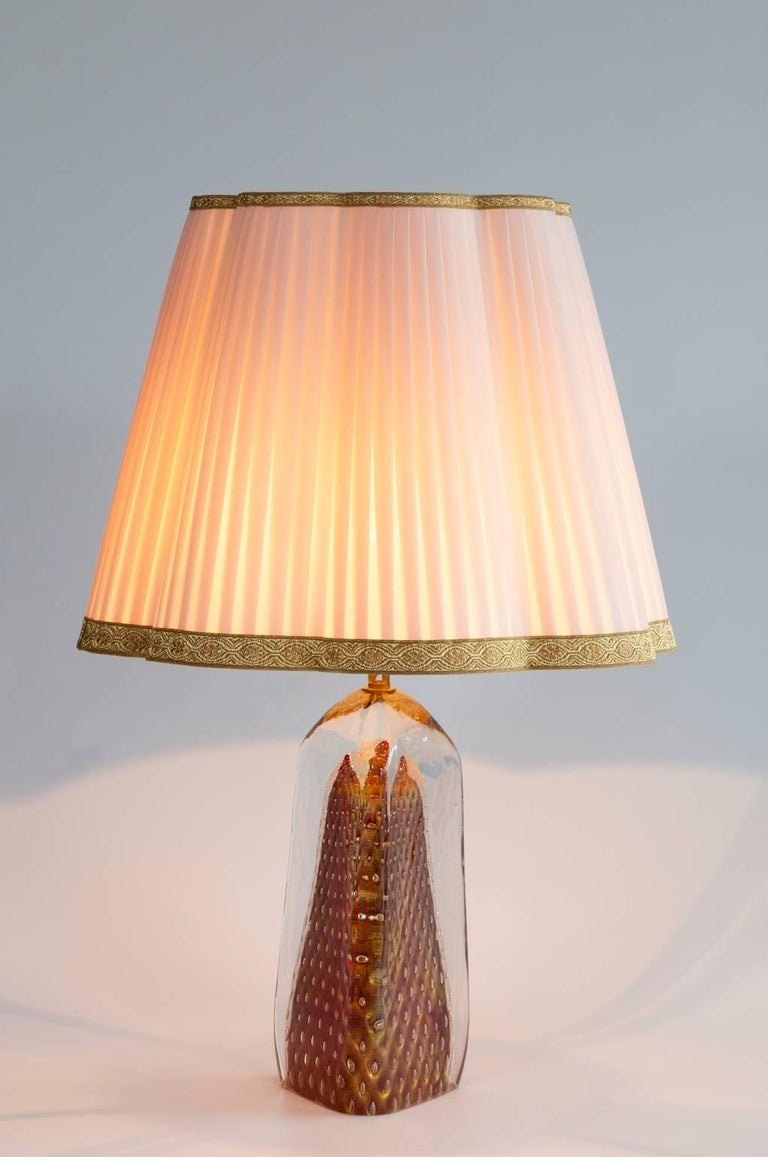 Italian Table Lamp in Blown Murano Glass Red with 24-Karat Gold finitures For Sale 2