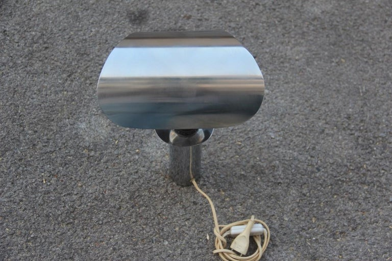 Italian Table Lamp Steel Curved Silver, 1970s In Good Condition For Sale In Palermo, Sicily