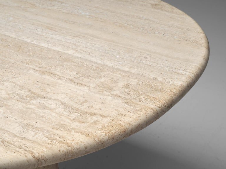 Italian Table with Oval top in Travertine For Sale 1