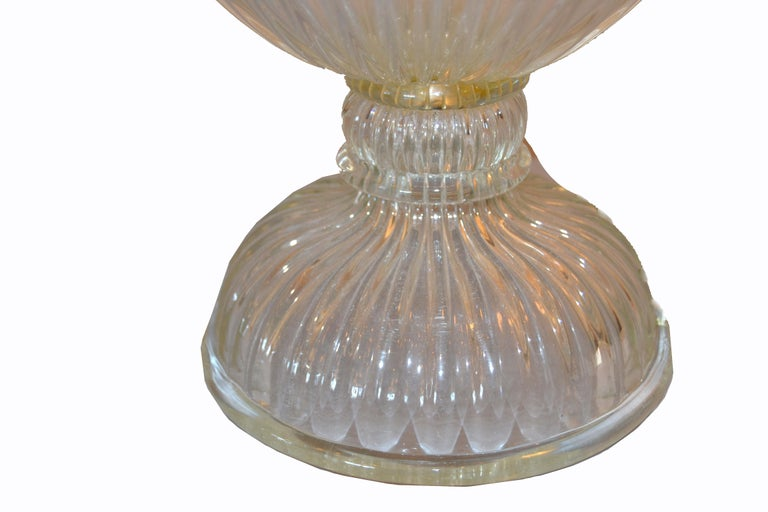 Italian Tall Clear Hand Blown Ribbed Murano Glass and Aluminum Neck Table Lamp For Sale 6