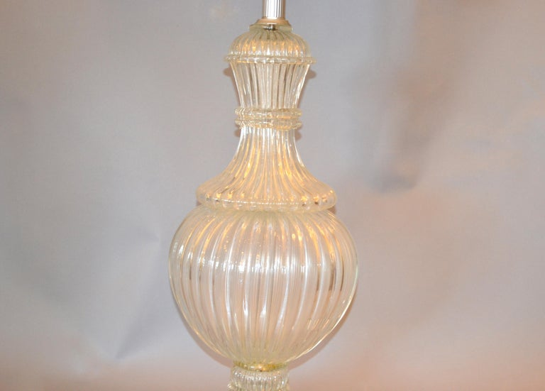 Mid-Century Modern Italian Tall Clear Hand Blown Ribbed Murano Glass and Aluminum Neck Table Lamp For Sale