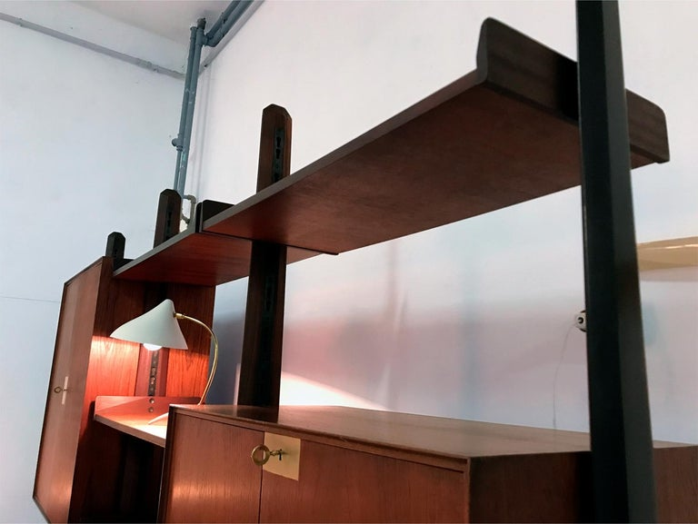 Italian Teak Wood Freestanding Bookcase by Vittorio Dassi with Palutari, 1950s For Sale 3