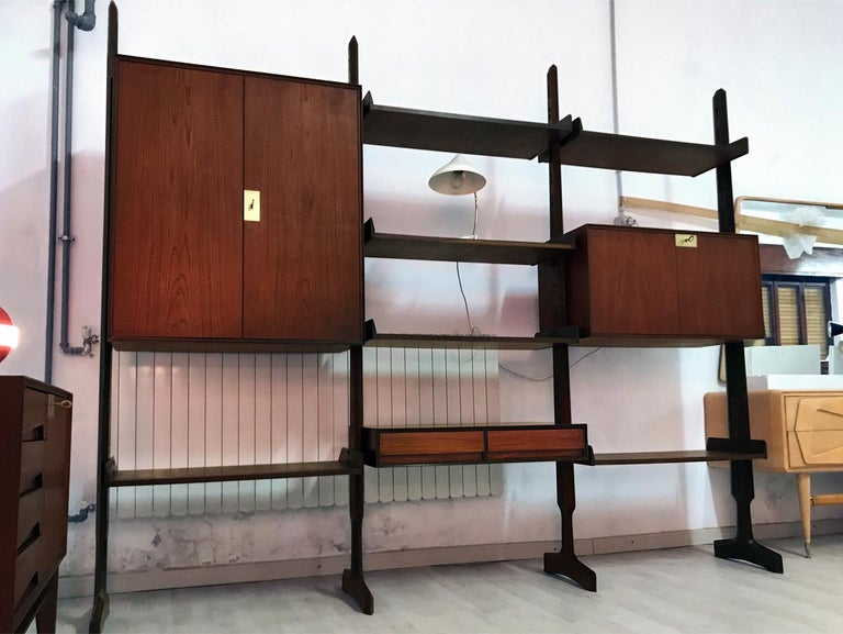 Italian Teak Wood Freestanding Bookcase by Vittorio Dassi with Palutari, 1950s For Sale 12