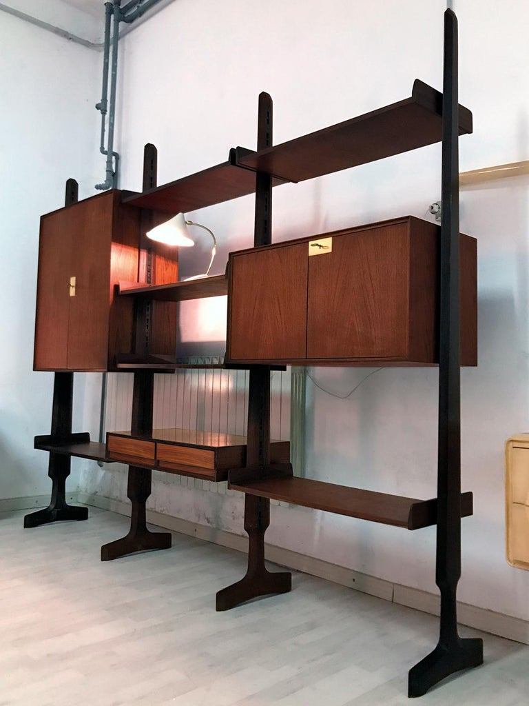Italian Teak Wood Freestanding Bookcase by Vittorio Dassi with Palutari, 1950s For Sale 13