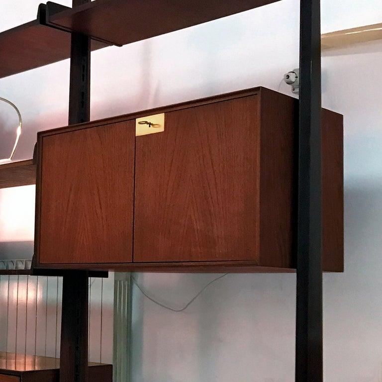 Veneer Italian Teak Wood Freestanding Bookcase by Vittorio Dassi with Palutari, 1950s For Sale