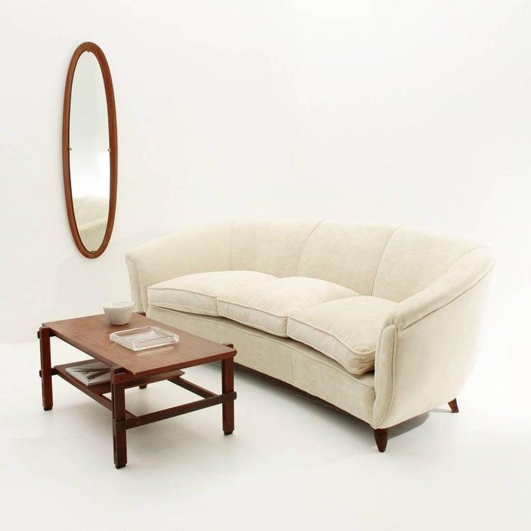 Italian Three-Seat White Velvet Sofa, 1950s For Sale 4