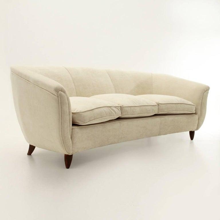 Mid-Century Modern Italian Three-Seat White Velvet Sofa, 1950s For Sale