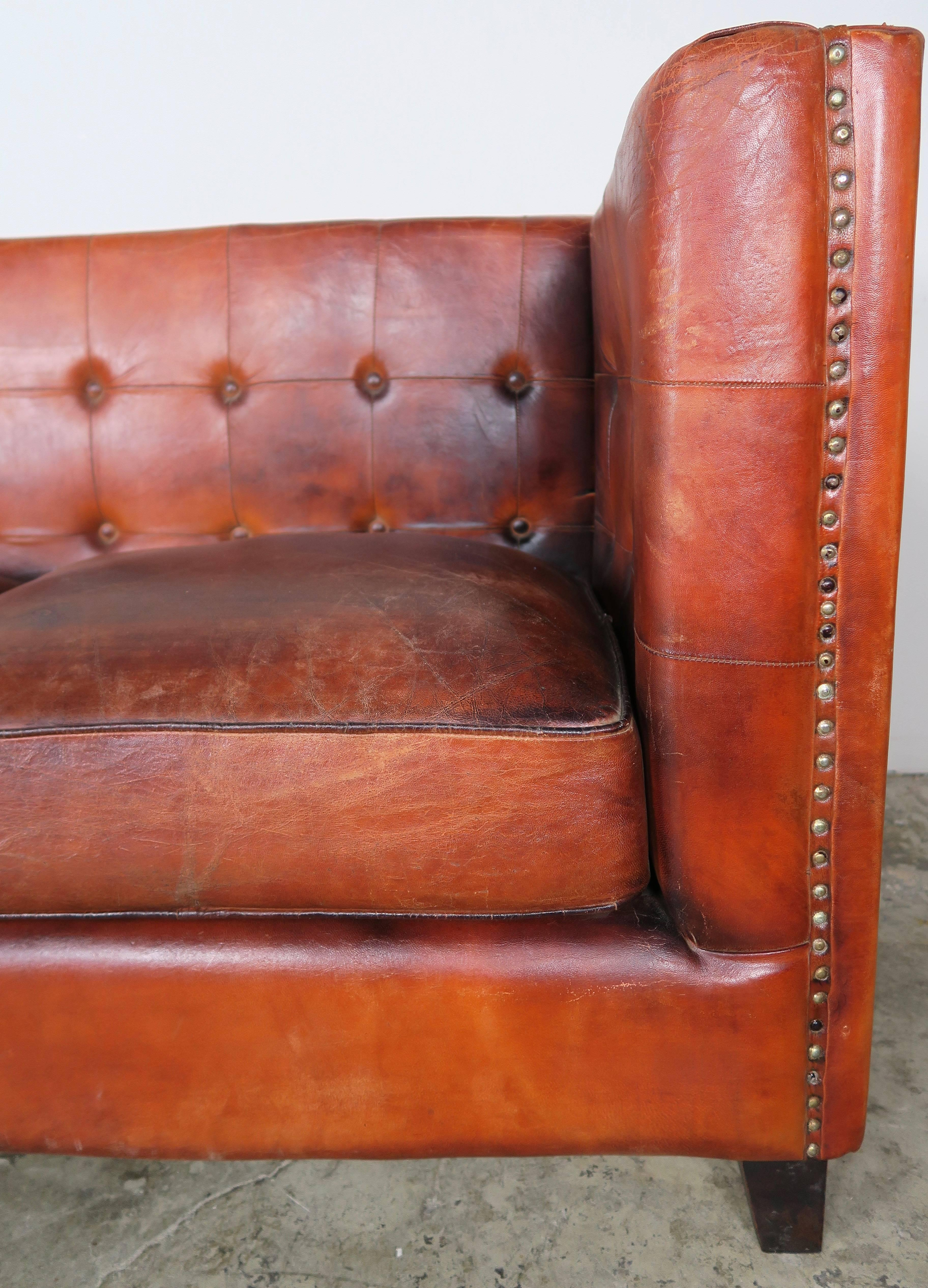Delicieux Mid 20th Century Italian Tobacco Colored Leather Sofa For Sale