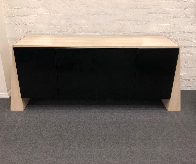Italian Travertine and Black Lacquered Credenza For Sale 5