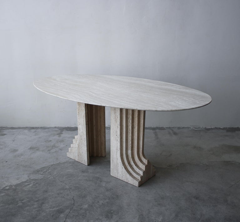 Italian Travertine Double Pedestal Dining Table by Carlo Scarpa In Good Condition For Sale In Las Vegas, NV